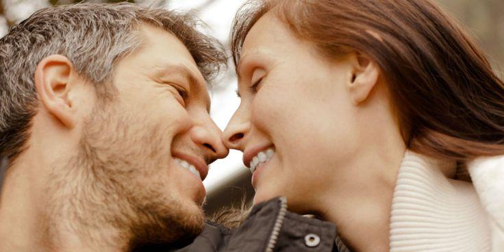 """Har du gennemgået en svær periode i dit parforhold, og leder du nu efter nogle hurtige tips til,hvordan du kan """"fixe"""" det? Alle parforhold støder på bump undervejs, herunder lister jeg nogle gode tips til, at du kan få vendt dit parforhold til det positive. Hvad betyder et lykkeligt parforhold for dig? Mens de fleste… Læs mere"""