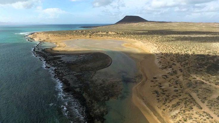Rincones ocultos: la isla de la Graciosa en Lanzarote http://alquilercochesespana.soloibiza.com/rincones-ocultos-la-isla-la-graciosa-lanzarote/ #España