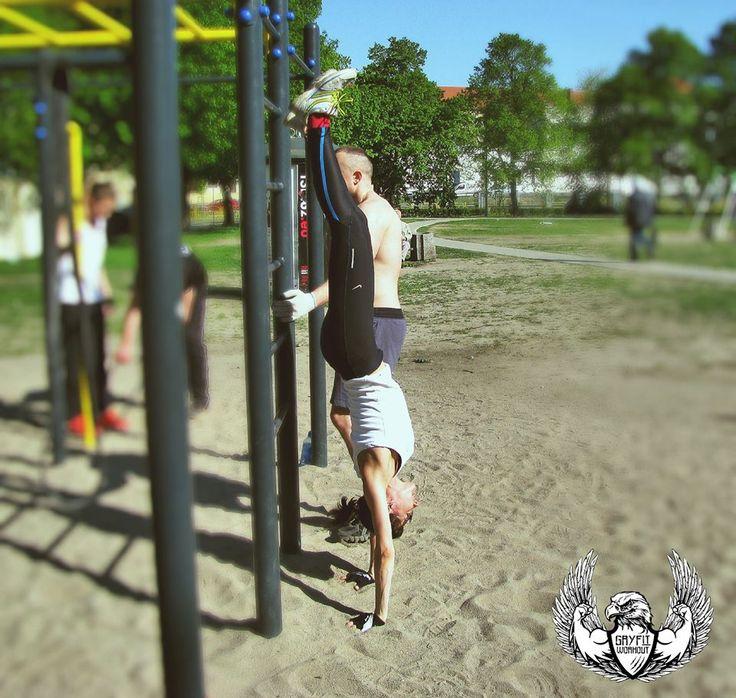 Natalia and her handstand