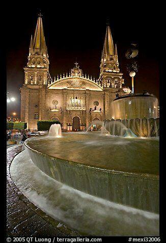 Plaza los Laureles, #Guadalajara, #Jalisco, #México. Eliza Bracho Tour By Mexico - Google+