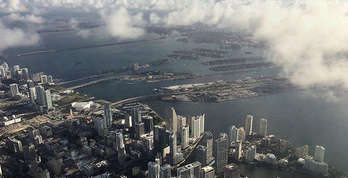 ABD'de etkili olması beklenen Matthew Kasırgası nedeniyle, Florida, Georgia, Güney Carolina ve Kuzey Carolina eyaletlerinin kıyı bölgelerinde OHAL ilan edildi.