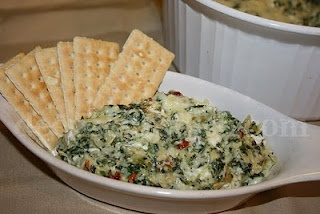 Classic Spinach and Artichoke Dip