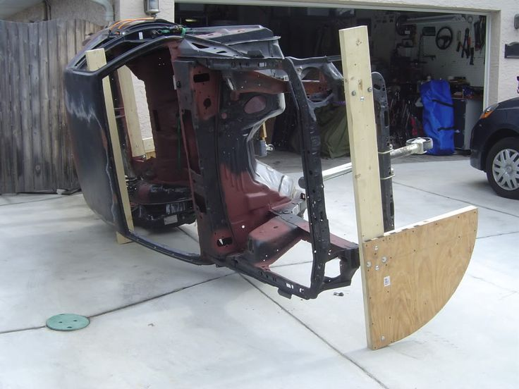 INCREDIBLE Tip-over JIG - The Garage Journal Board - cheep creative alternative to a lift :)