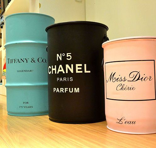 Tambor decorativo metálico, tonel decorativo, modelos exclusivos. Com alças, tampas removíveis, tipo puff. melhores preços. Chanel, Dior, Tiffany