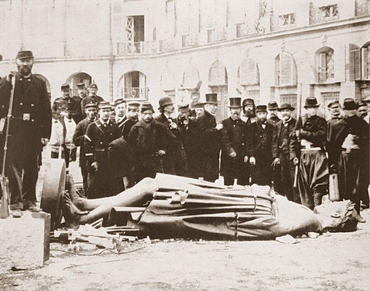 Paris Commune (1871), Place Vendôme (Colonne, Napoleon)