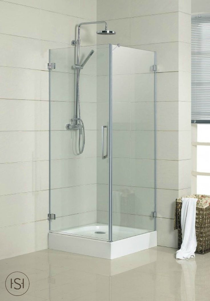 Remodeling your ensuite master bathroom? The light and airy design of this sleek shower enclosure will add style to your 5-piece bath. Finish the look with a freestanding tub and a modern double vanity.