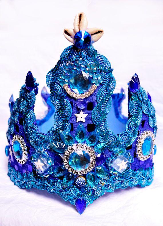 Corona de Santo (Yoruba), perteneciente a Yemayá. Decorada a mano totalmente artesanal