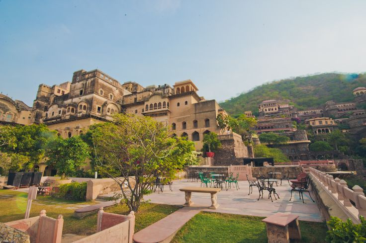 Neemrana Fort Palace - the perfect wedding venue to leave your guests mesmerised.