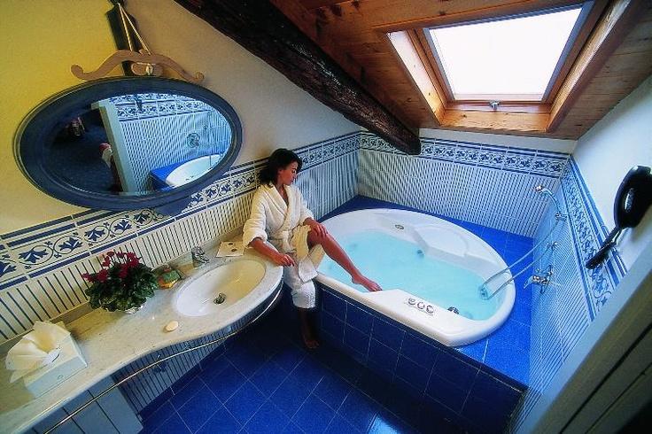 soggiorno 1 notte in Camera Junior Suite con idromassaggio Jacuzzi £149