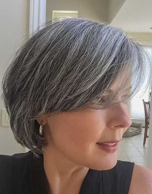 6.Ältere Damen Kurz-Frisur