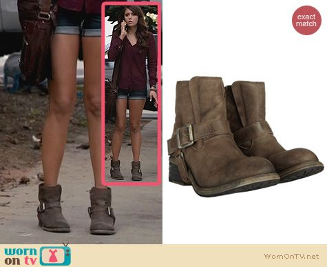 Elena's ankle boots on The Vampire Diaries. Outfit Details: http://wornontv.net/23119 #TheVampireDiaries #TVD