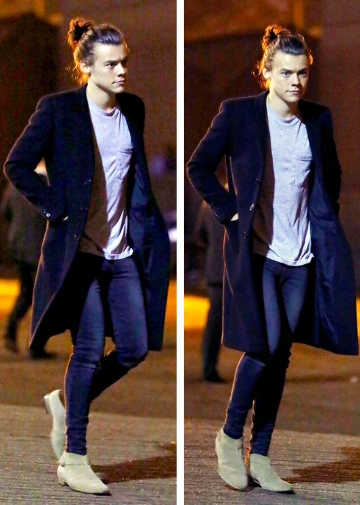 Harry Styles better dressed than over half of the female population! I Mean look at that perfect bun!