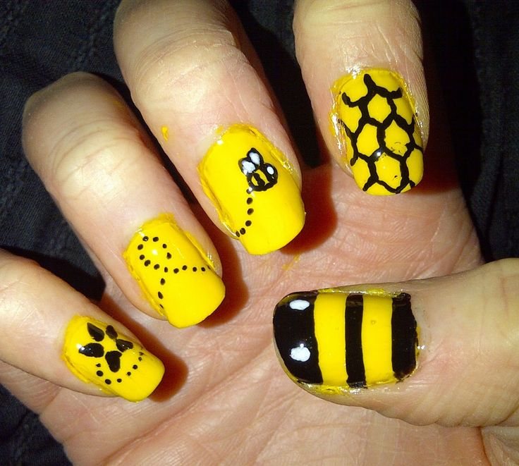 Best 25 bumble bee nails ideas on pinterest pencil nails bzzzzzz bumble bee nail art bit messy round the edges tho prinsesfo Image collections