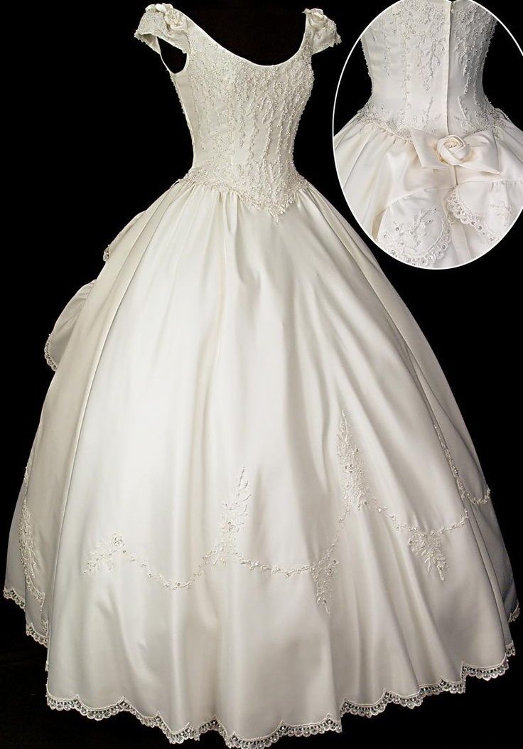 One of my dream wedding gowns...