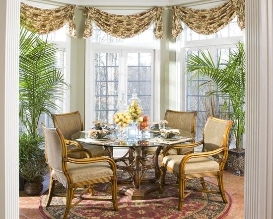 Traditional Dining Room Centerpieces Design Pictures
