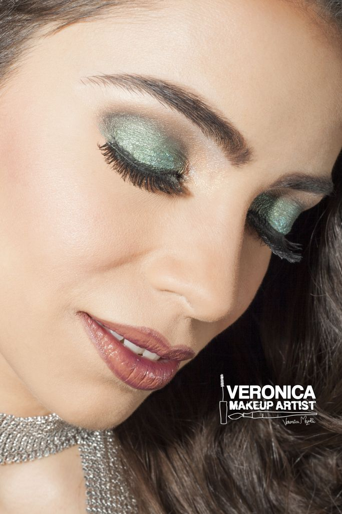 Shimmer eye makeup for New Year's Eve Party 2015