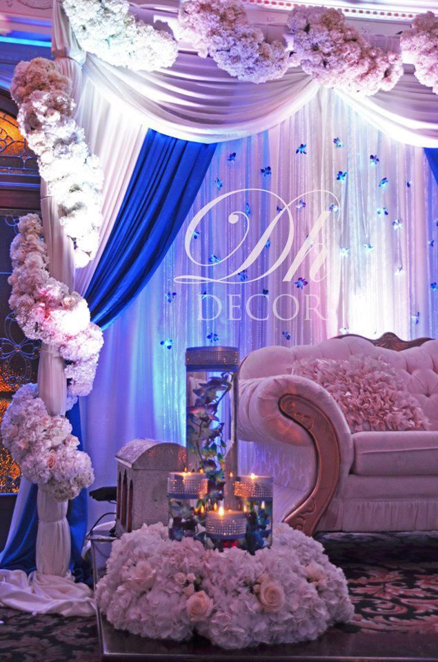From Strictly Weddings... change 2 light peach and pearls