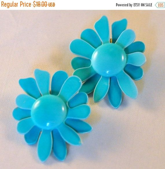 ON SALE Vintage Turquoise Enamel Flower by etherealemporium