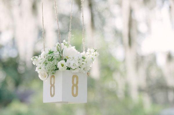 28種創意婚宴桌號牌設計