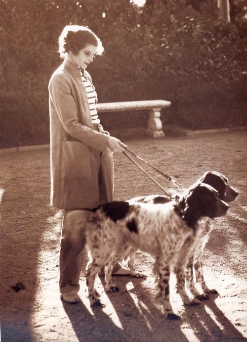 Katharine Hepburn with her dogs 1933