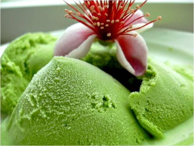 """Receta de """"Helado de Matcha"""" en http://iloveteablog.blogspot.com.es/2012/08/helado-de-matcha-te-verde-en-polvo.html"""