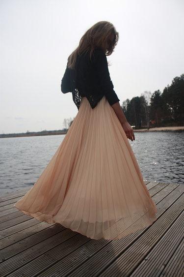 Whimsical style: Beautiful Necessities, Style, Maxi, Long Skirts, Chiffon Skirts, Spring Breeze, Full Circles Skirts, Dresses Patterns, Pleated Skirts