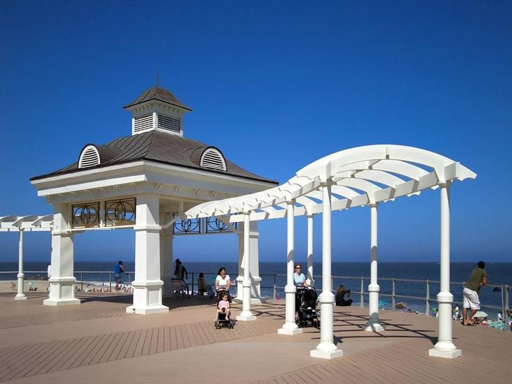 Pier village in long branch new jersey shops restaurants for Best boutique hotels jersey shore