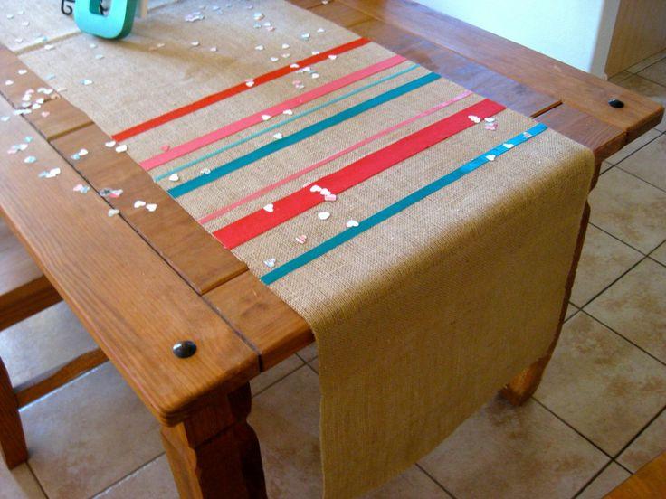 DIY kitchen tableclothCrafts Projects Ideas, Decor Ideas, Ribbons Tables, Sewing Ribbons, Tables Runners, Crafts Diy, Table Runners, Burlap Ribbon, Parties Decor