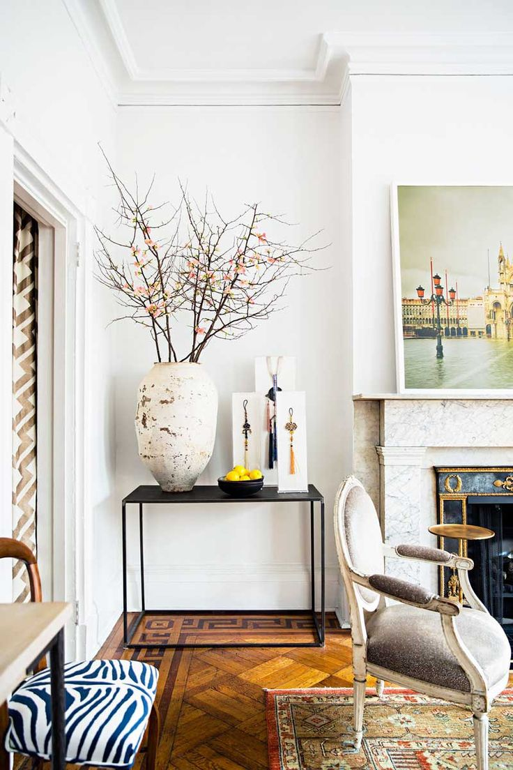 A manhattan pied à terre full of masterful vignettes