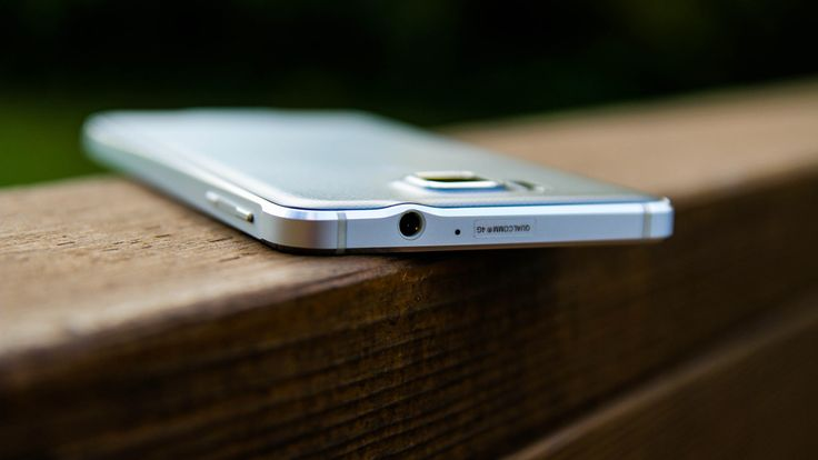 Samsung Galaxy Alpha review: http://www.androidauthority.com/samsung-galaxy-alpha-review-536764/