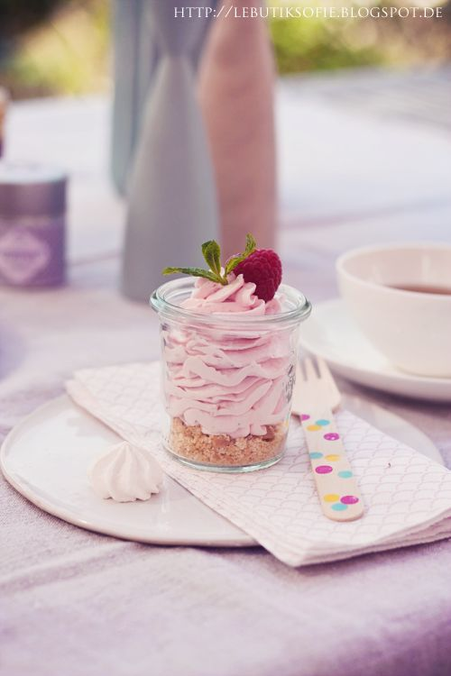 butiksofie: pink cheesecake in the glass...
