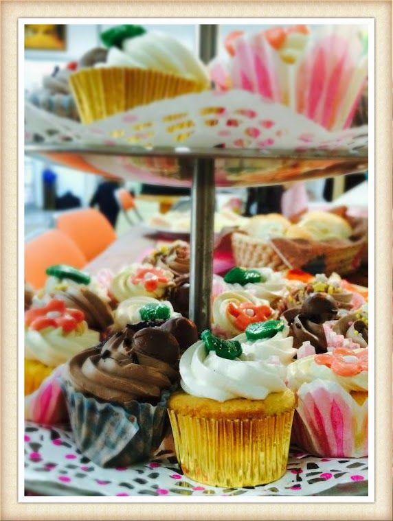 Cupcakes para todos: Torre de #minicupcakes para un ¡¡¡¡Cumpleaaaaños Feliz!!!!!!!