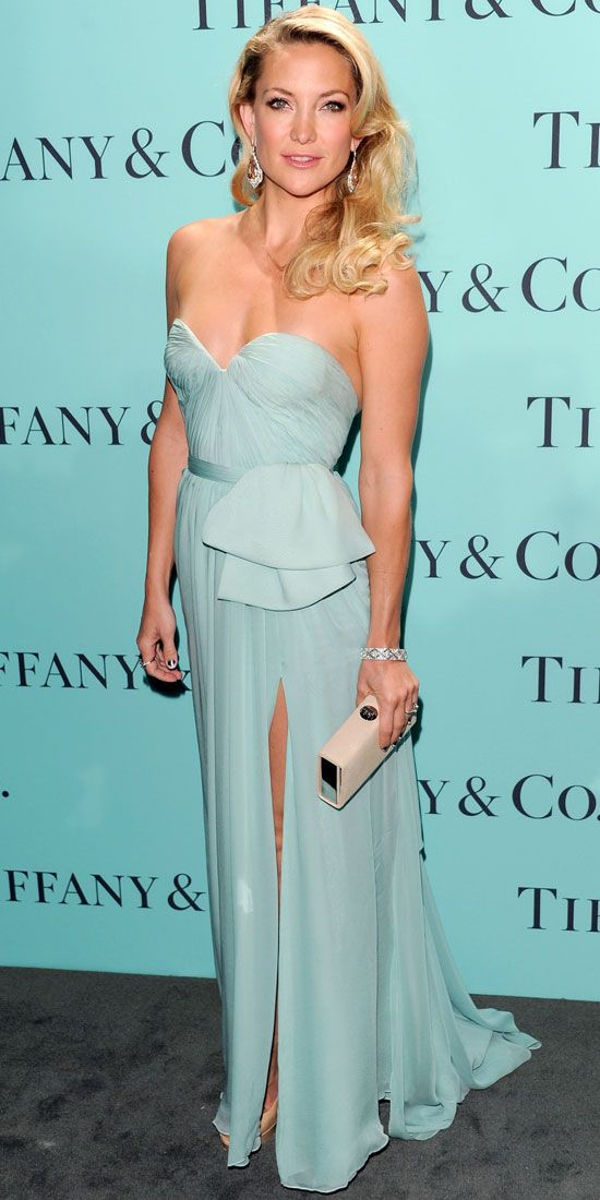 Kate Hudson wore a fittingly-hued Reem Acra gown with Tiffany & Co.s diamond bracelet, earrings and ring at the jeweler's New York event.