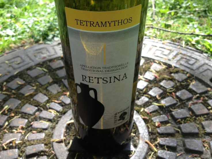 Tetramythos Wines  Retsina (2012)  100% Roditis. The wine is certified organic - Our price, DKK 89 (incl. moms)