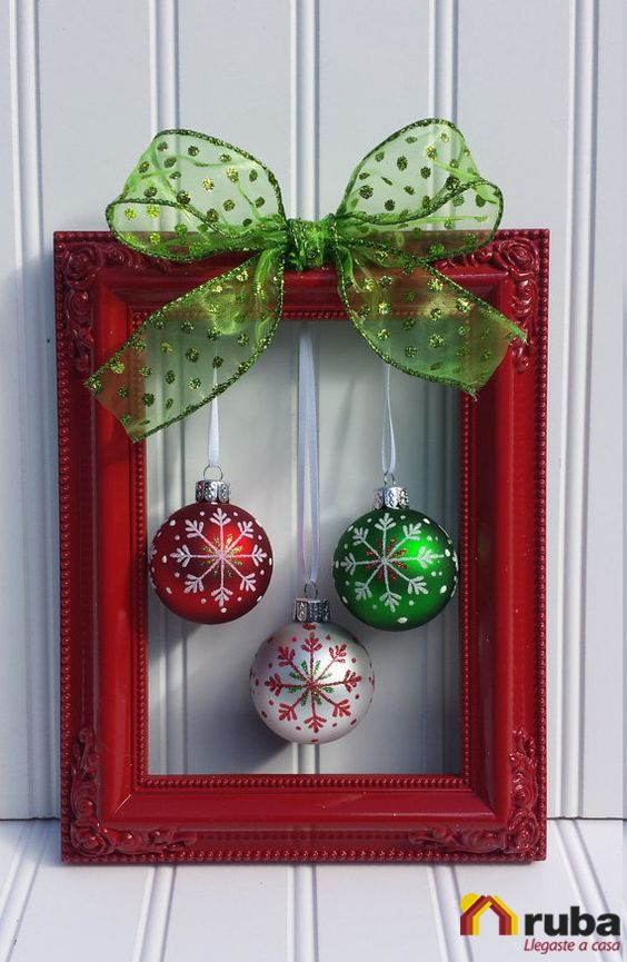 Esta comenzando la época navideña y tu ¿No sabes como decorar tu casa? Esta idea es sencilla y se ve maravillosa, arriésgate y pon toda tu casa con los tradicionales colores navideños #NavidadConRuba Si te encanta decorar tu hogar en estas fechas te recomendamos visitar http://decoracionnavidad.net/