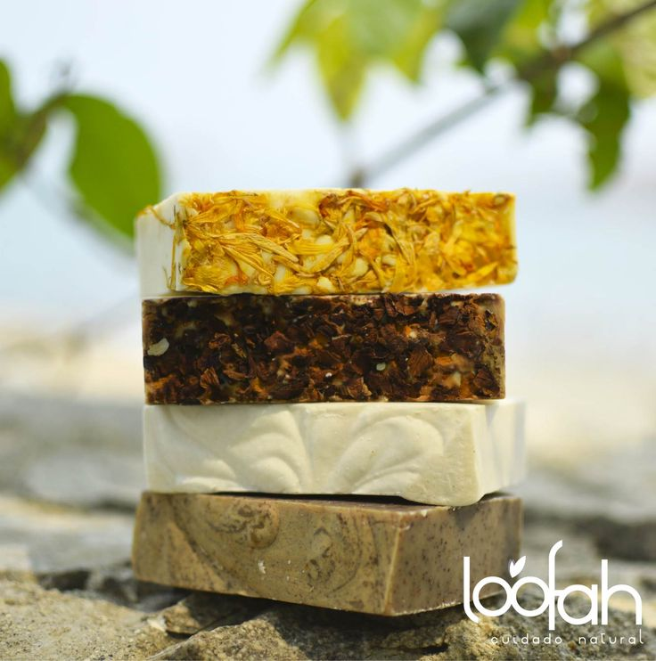 Jabones Loofah Cuidado Natural hechos a mano, a base de aceite de oliva!