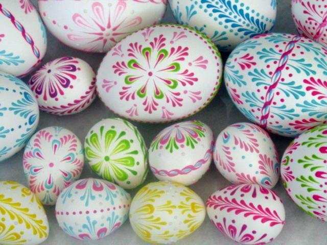 EggstrArt Egg Decorating Kit for Drop-Pull Wax-Embossed Method of Decorating Easter Eggs. $19.95, via Etsy.
