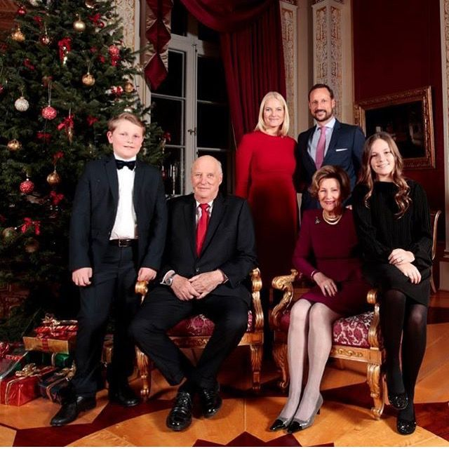 A Princess For Christmas Poster.Norway Royal Family Christmas Card 2017 Prince Sverre