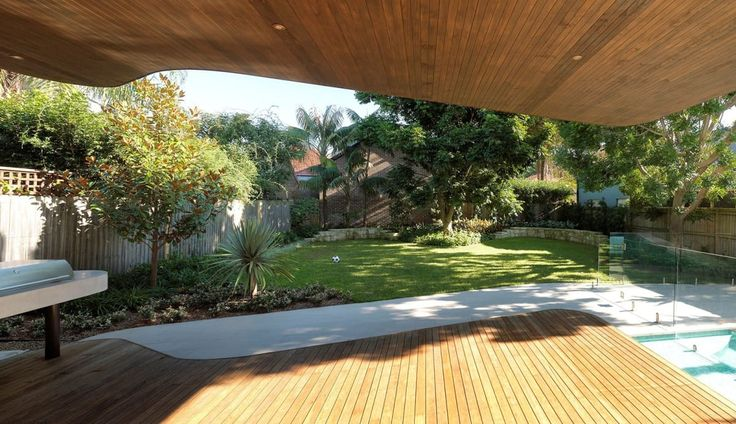 Western Red Cedar ceiling and Blackbutt decking mirror the irregular back elevation