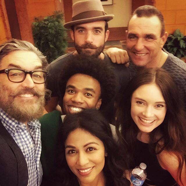 The Galavant cast ready for season two! :D