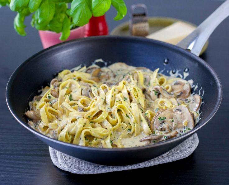 Krämig pasta med champinjoner - ZEINAS KITCHEN
