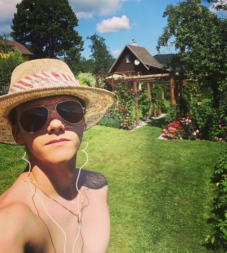 Summer is here get most of it!  #summer #sun #hot #chill #me #hat #sunglasses #sunshine #colorful #holiday #holidays #good #awesome #music #headphones #nostress #instagood #instaslovakia #noschool #vacation #day #super #weekend
