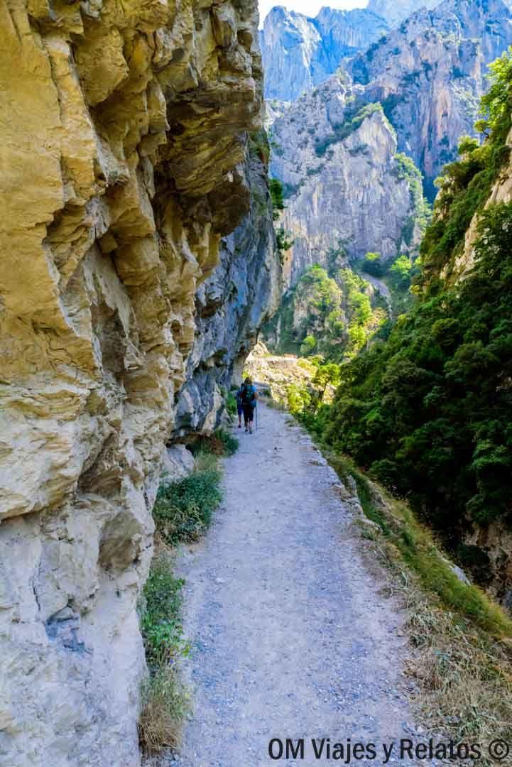 La Ruta Del Cares Desde Caín La Senda Más Espectacular De Los Picos De Europa Picos De Europa Paisajes De España Lugares De España