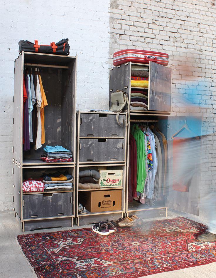 Egal ob hängen oder legen, im Werkhaus-Kleiderschrank findet alles seinen Platz. Und wenn er zu klein werden sollte, könnt Ihr ihn beliebig erweitern. Erhältlich in macchiato und trendigem weiß.