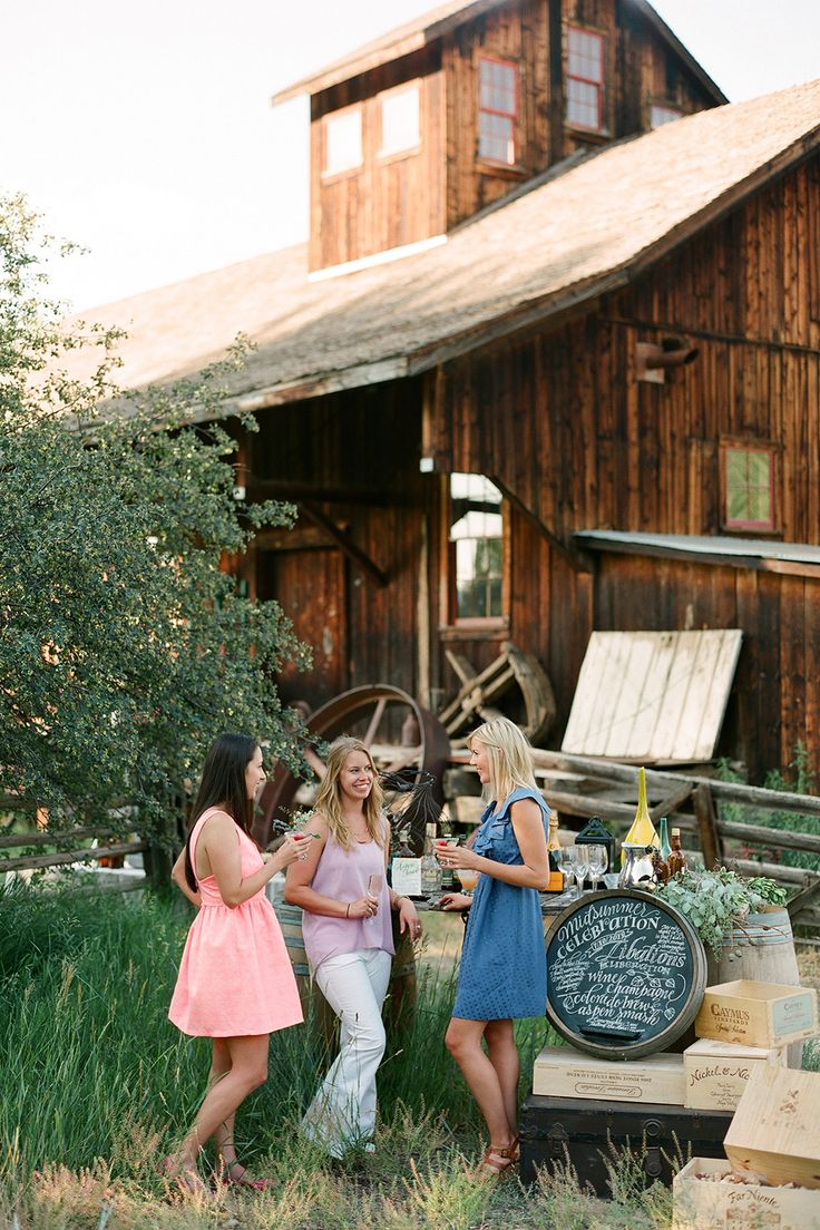 Best 25 country themed weddings ideas on pinterest wedding 10 ideas for a chic country themed wedding junglespirit Images