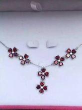 Natural rojo granate Collar de piedras preciosas naturales Colgante S925 Collar de plata Cuadrado De Lujo Del Trébol de las mujeres de Moda Joyería de La boda(China)