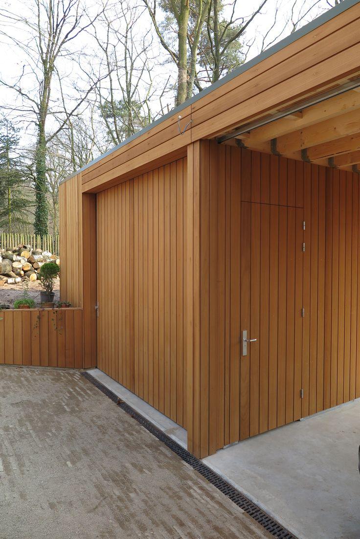 Natural Cladding voor de bekleding van de garage, carpoort en schuur te Den Dolder. Oplevering winter 2015, fotografie maart 2015. Ontwerp: Onix Architecten Groningen