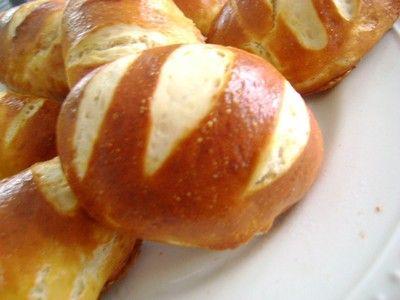 """750g vous propose la recette """"Mauricette Petit pains Alsaciens"""" notée 4.2/5 par 221 votants."""