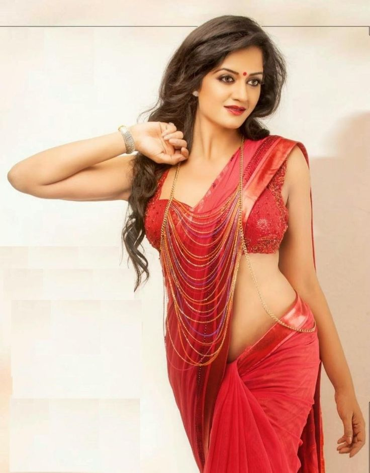ready for the first night fuck..look at her low waist saree..