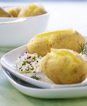 Pellkartoffeln mit vegetarischem Gemüse-Quark: http://kochen.bildderfrau.de/rezepte/rezept_pellkartoffeln-mit-cremigem-gemuse-krauter-quark_311383.aspx  #vegetarisch